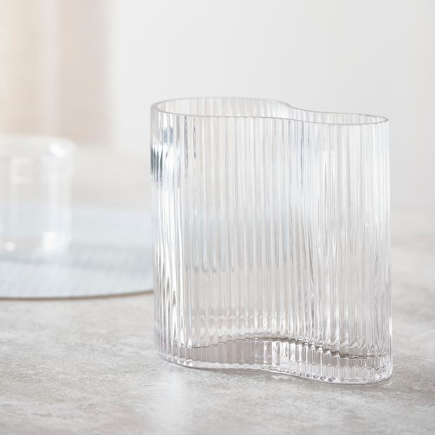WAVE Vase Transparent H 17,5 x B 17,5 x T 11 cm_wave-vase-transparent-h-17,5-x-b-17,5-x-t-11-cm