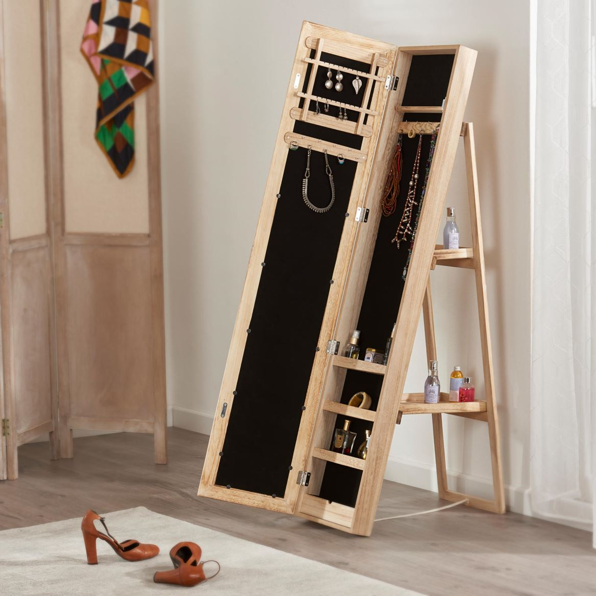alexia armoire bijoux avec miroir naturel h 139 x larg. Black Bedroom Furniture Sets. Home Design Ideas