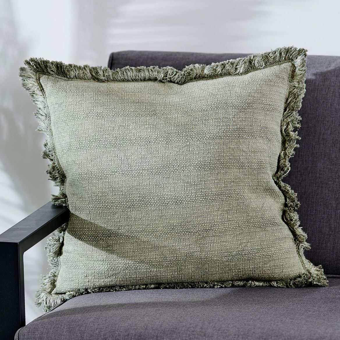 FROW Coussin vert Larg. 45 x Long. 45 cm_frow-coussin-vert-larg--45-x-long--45-cm